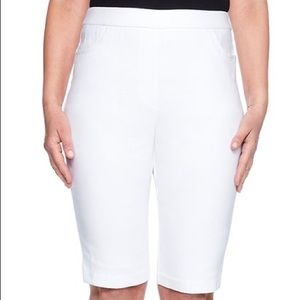 M.I.K.O. Bermuda Short
